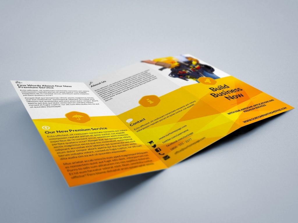 01_tri-fold_brochure_mockup